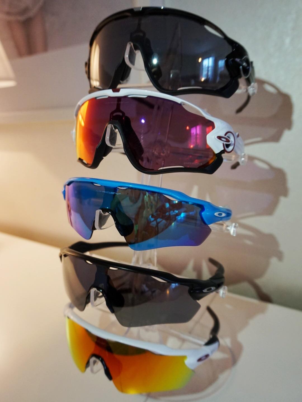 För oss skidskyttar är glasögonen nämligen en väldigt viktig del och något  som underlättar enormt vid olika väderförhållanden. Men något jag inte  visste ... c69e7c37be06e